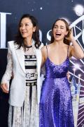 """杨紫琼与""""龙母""""合影为新片造势 现场气氛热烈"""