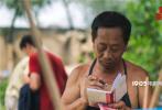 由饶晓志监制,新人导演徐磊执导的荒诞喜剧娱乐彩票平台_app下载_官网购彩大厅-影�ʿͲ�Ʊƽ̨_《平原上的夏洛克》自11月29日上映以来,观众们好评不断。12月2日,娱乐彩票平台_app下载_官网购彩大厅-影发布宣传推广曲《选择》MV,用简单明了的歌词和洗脑的旋律让网友们对这部荒诞喜剧有了不一样的认知!