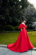 宋茜出席时尚活动曝高清美图 演绎法式复古风情