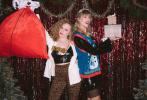 """12月15日,""""霉霉""""泰勒·斯威夫特在个人社交账号上晒出过生日与朋友聚会的照片,身为猫奴的她,还收到以猫咪为设计的蛋糕。广东十一选五_[官网首页]布满红白玫瑰的蛋糕上,隐藏着三只立体又逼真的猫头,十分有新意。"""