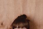 """1月9日,泰国甜心Lisa登封《NYLON 尼龙》一月刊封面大片释出。透过这组大片,如果给一向有人间甜豆、真人芭比、热搜收割机美称的Lisa,再加一个前缀的话,那首选应该是""""夏日梦想家""""。"""