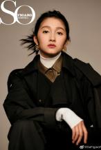 关晓彤鼠啃刘海+雀斑妆登封 网友:怪我不懂时尚