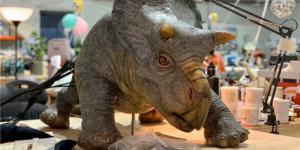 《侏罗纪世界3》导演发恐龙照 星爵回归2月开拍