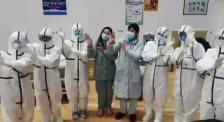 医护人员方舱医院演唱黄梅戏 疫情之下为患者带去正能量