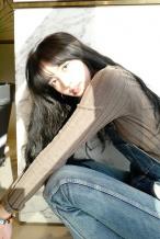 Lisa生日晒美照长发披肩笑容甜美 感谢大家祝福