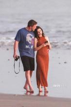 大本女友怀孕?安娜·德·阿玛斯近照小腹隆起明显