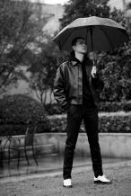 李现《赤狐书生》开启路演 雨中撑伞回眸杀撩人