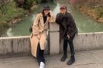 45岁马伊琍与闺蜜刘孜素颜出游 两人超模腿抢镜