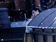 刘亦菲陈晓《梦华录》曝路透 船上拥吻画面唯美