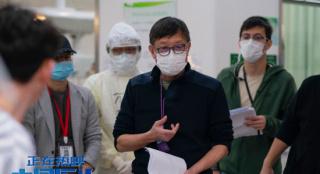 《中国医生》发布导演特辑 票房超9亿领跑暑期档