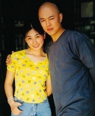 林爱上小25岁回族美女 传秘密结婚偷度蜜月