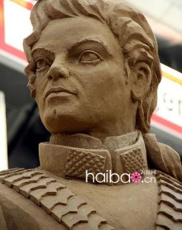 沙雕艺术家创造迈克尔 杰克逊 经典形象纪念碑