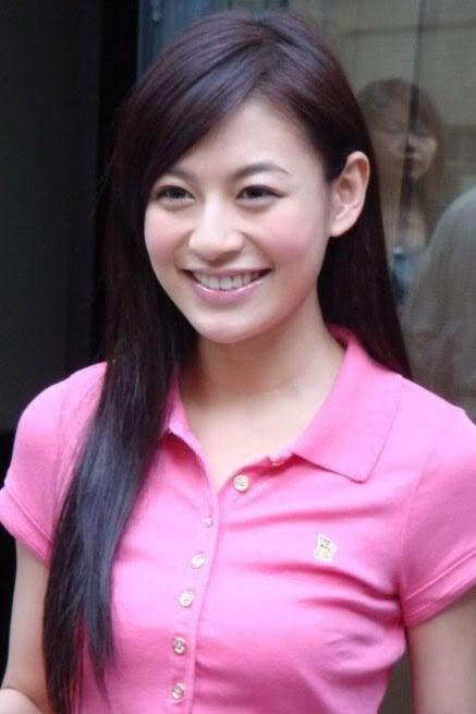 江若琳辨识不敢更性感笑言嫩模涌现无法亮相性感美女gif图动图片