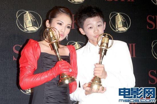 杨丞琳重演《刺青》 公开 亲吻女 歌迷-杨丞琳
