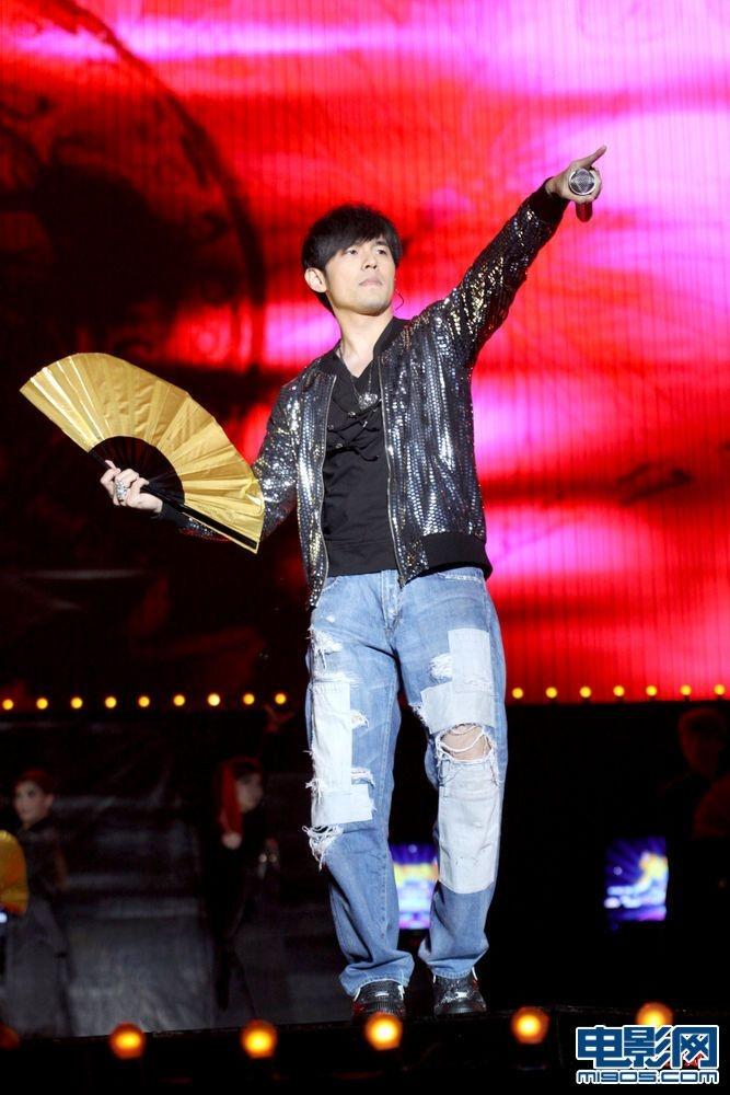 周杰伦助阵上海跨年音乐季 李健 庾澄庆齐亮相图片