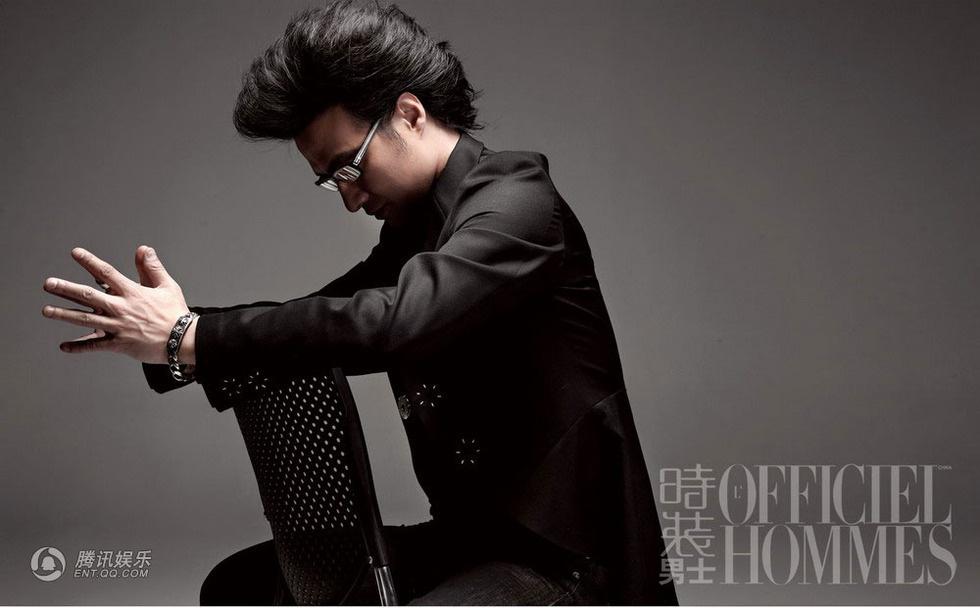 汪峰历任女�_汪峰拍写真显硬朗诠释摇滚巨星的桀骜与柔情_明星写真_图集