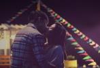 """由卓文萱、霍诗丹、张雁名、巫迪文、九孔、纳豆联合主演,将于11月29日""""感恩档""""上映的青春励志偶像电影《幸福快递》,讲述了一群年轻人相扶相持与病魔斗争,捐献骨髓的大爱故事。"""