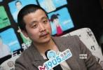 杨瑾今年只有32岁,话很少,他的第三部电影作品叫做《有人赞美聪慧,有人则不》,片名有点拗口,讲述的是小朋友之间的故事。频频被冠以文艺片导演的杨瑾直言,自己不拍商业片,其实是个人能力问题,商业片才是最难拍的一种电影。