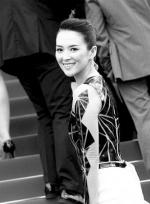 戛纳电影节黑白光影:两代谋女郎PK好莱坞众星