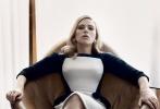 斯嘉丽·约翰逊(Scarlett Johansson)做客上周《周六夜现场》(简称SNL)并拍摄了一组时尚写真,霸气外露,造型抢眼。