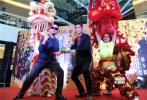 功夫片《黄飞鸿之英雄有梦》将于11月21日上映,11月13日导演周显扬与主演彭于晏亮相广州,现场还公布了动作篇幕后花絮,气氛十分热烈。