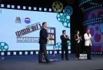 """2月6日(周五)22时,由电影频道联合茅台集团共同打造的""""中国影响力""""青年导演剧情短片创作季""""十强突围赛""""18进14PK赛在CCTV6电影频道播出。在接下来两期节目里,唐季礼、冯小宁、胡玫三位导师从密友变身对手,他们的导演弟子将首次跨组对决,通过48小时拍摄出来的短片作品继续残酷淘汰4位选手。"""