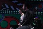 """2月13日(周五)22时、17日(周二)20点15分,CCTV6电影频道将在除夕前连播""""中国影响力""""青年导演剧情短片创作季""""十强突围赛""""最后两期节目。""""18进14""""半决赛中还有哪些选手面临淘汰?十强盛典上,张艺谋、成龙将为哪十位青年导演戴上""""中国影响力""""桂冠?总计千万元的巨额拍摄基金花落谁家?敬请关注电影频道和茅台集团共同为观众献上的这部""""贺岁大片""""之终极决战。观看节目直播及参加互动也可登录1905电影网节目专题zgyxl.1905.com。"""
