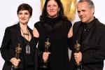 《第四公民》获最佳纪录长片 主创亮相紧握小金人