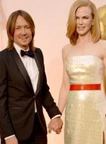 妮可·基德曼现身奥斯卡红毯 与歌手老公秀恩爱