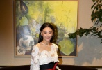 2015年2月25日讯,美国加利福尼亚,当地时间2月24日,张雨绮穿透视裙现身电影《蒸发太平洋》(Lost In The Pacific)发布会,与搭档布兰登·罗斯(Brandon Routh)搂腰合影亲密无间。导演周文武贝亦现身。