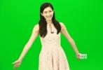 """带着即将于3月6日上映的新作《北京纽约》,江疏影来到电影频道《光影星播客》栏目做客。她在片中扮演的人物""""施雨琴""""是个传统的东方女性,与另一位主演林志玲是情敌关系。《致我们终将逝去的青春》(以下简称《致青春》)公映后,江疏影因出演""""阮莞""""这个角色被很多人称作""""女神"""",采访中江疏影却笑称,自己平日更像个""""屌丝""""。"""