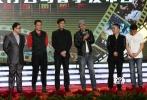 4月15日,电影《枪过境》在京举行首映式,出品人施建祥,导演梁杰,主演方力申、安泽豪、王双宝、焦恩俊、计春华等主创悉数到场。影片将于4月17日上映。此外,《枪过境》的姊妹篇《三千里》也在会上正式开机,据悉,该片将由宁瀛执导,段奕宏、廖凡、佟丽娅领衔主演。