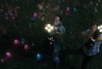 """即将于9月15日上映的好莱坞特效大片《像素大战》,今日发布了一支""""游戏宅男拉德罗""""特辑。扮演""""怪咖""""拉德罗·莱蒙索夫的好莱坞男星乔什·盖德,在受访时畅聊对影片及角色的拍摄感触、以及什么是作为一个""""游戏宅男""""最引以为傲的事。"""