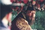 """将于中秋档期上映的古装大片《思悼》日前发布了五款""""历史关键词""""海报,也展现了宋康昊和刘亚仁饰演的王室父子不可改变的悲剧命运。"""