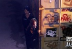 """将于12月4日上映的合家欢电影《从天儿降》即将推出四支""""天降四Sa""""特辑,分别展现四主演陈学冬、张艺兴、姜雯、李小璐在片场""""笑""""果十足的互动。而率先曝光的是陈学冬版个人特辑:冬冬片场化身音乐导师,呕心沥血教导""""三傻熊孩子""""高唱《夕阳红》、《游击队之歌》等世界名曲,更期望组建""""天降合唱团""""。无奈""""三傻学员""""频频掉链子,让陈老师崩溃心塞,更被""""气""""到直扇自己大腿,短短一分多钟就展现了《从天儿降》家族其乐融融的一面。"""