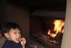 """女星叶一茜自嫁给奥运冠军田亮后,生下一女一儿,凑足了一个""""好""""字。29日,叶一茜罕见晒出小儿近照,并说首次坐上高铁儿子超兴奋。而""""弟弟""""的高颜值也惹得众多网友点赞。"""