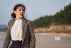 许秦豪导演的新片《德惠翁主》于3月23日杀青,结束了为期四个月的紧张拍摄,片方曝光数张片场花絮照片,孙艺珍和朴海日两位主演造型曝光。