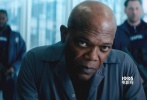 """今日,多个微博电影相关账号爆料由""""死侍""""瑞安·雷诺兹、""""局长""""塞缪尔·杰克逊联袂主演的R级动作喜剧已过审,即将登陆内地院线。该片8月18日北美公映,连续两周蝉联票房冠军,已入账3961万美元。"""