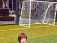 王珞丹帅气亮相球场 短发英姿飒爽运动风迷人