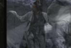"""日前,演员郑恺在微博发布了自己参演影片《影》的片场照。照片中,郑恺以一袭白衣亮相,衣衫上被墨汁染黑,披头散发的样子犹如古代的""""狂士""""。值得注意的是,片场照的背景从窗棂门扇到几案陈设都是黑色的,与郑恺形象形成鲜明的反差。"""