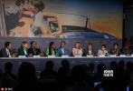 法国当地时间5月8日下午,第71届戛纳电影节主竞赛单元举行评委见面会,主席凯特·布兰切特领衔张震、蕾雅·赛杜、克里斯汀·斯图尔特、艾娃·德约列、丹尼斯·维伦纽瓦、安德烈·萨金塞夫、罗贝尔·盖迪吉昂、Khadja Nin九位评委一齐亮相。