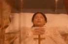 《每天回家都会看到老婆在装死》超短预告片5