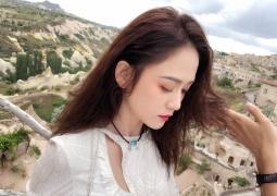 陈乔恩晒美景照秀精致侧颜 和谁去了浪漫的土耳其