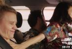 """好莱坞动作喜剧《我的间谍前男友》日前已宣布引进并定档在10月19日,由米拉·库尼斯(《泰迪熊》、《黑天鹅》)、艾美奖获得者《周六夜现场》常驻嘉宾凯特·麦克金农、和山姆·修汉(《古战场传奇》)出演。今日电影放出了""""姐妹儿无敌""""版预告,闺蜜二人再度互曝狠料,势要将无下限进行到底。不少观众看完直呼:""""知道太多的闺蜜,果然是最惹不起的物种""""。"""