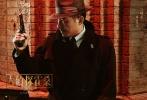 """探案喜剧《大侦探霍桑》海报预告双发而至,正式宣布定档2019年1月18日。该片由有""""黄金搭档""""之称的导演及监制周显扬与著名监制及编剧杜致朗携手拍摄,韩庚、尹正、女一号张慧雯、郭晓东领衔主演,刘嘉玲特别出演,冯嘉怡、罗家英、于洋、王梓轩、蔡文静等明星联袂主演。"""