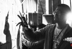 """由改编自刘慈欣同名科幻小说,郭帆导演执导,吴京特别出演,屈楚萧、李光洁、吴孟达、赵今麦领衔出演的科幻冒险电影《流浪地球》票房一路逆袭,截至发稿票房已突破24亿元,成为春节档第一口碑电影,并获得各方的关注和认可,不仅原著作者刘慈欣激动地表示""""中国科幻在今天终于启航了"""",知名⽂化学者戴锦华也⽤""""中国科幻元年在2019年开启了""""给予电影极⾼评价。"""