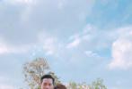 """3月15日,安以轩通过微博发文:""""小叮噹夫妇结婚登记两岁了!庆祝一下!来个【升级版】, 变身猪爸爸猪妈妈,从此……我们的世界多了一个你""""宣布怀孕喜讯。"""