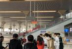 由王凯、吴谨言、白宇、魏大勋、范丞丞、胡先煦、林允、张新成担当MC的综艺节目《青春环游记》近日在南京开录。