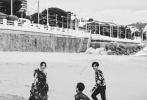 近日,《南方车站的聚会》剧组在法国戛纳拍摄的一组时尚大片曝光。照片中,导演刁亦男携主演胡歌、桂纶镁、万茜着华服,演绎南法风情。