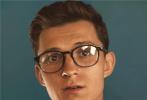 """近日,""""蜘蛛俠""""湯姆·赫蘭德登上《時尚先生》封面,著名攝影師陳漫親自操刀拍攝照片,讓觀眾看見了蜘蛛俠面具之下,荷蘭弟完全成熟、帥氣、魅力十足的一面。"""